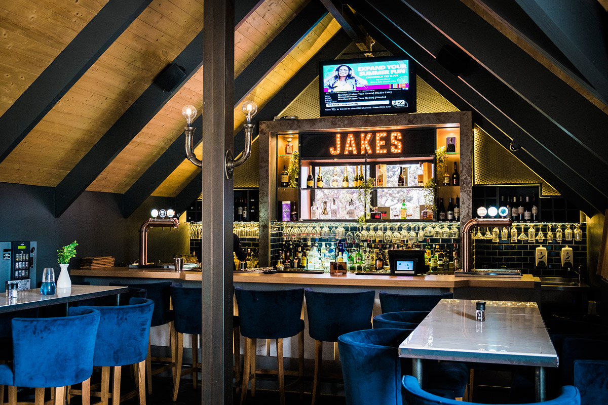 Jakes-on-the-Common-8